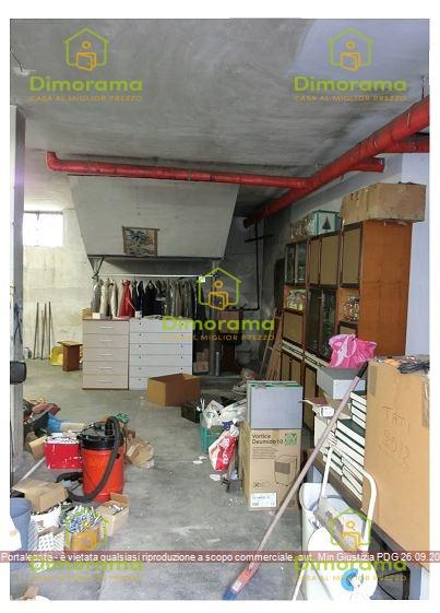 Appartamento in buone condizioni in vendita Rif. 12340295