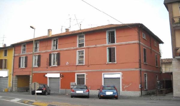 Appartamento in discrete condizioni in vendita Rif. 12016107