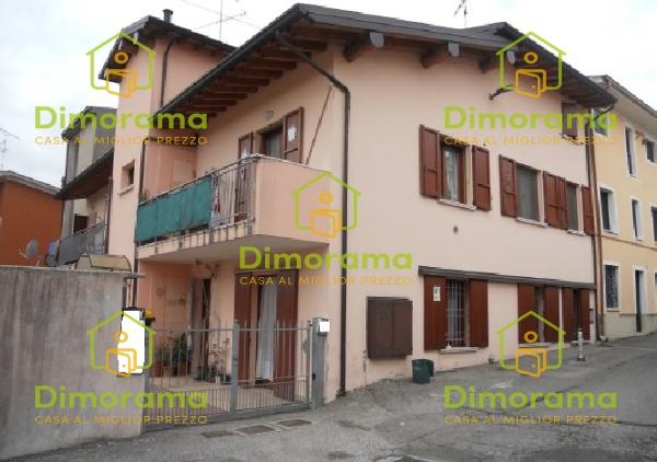 Appartamento in discrete condizioni in vendita Rif. 10588496