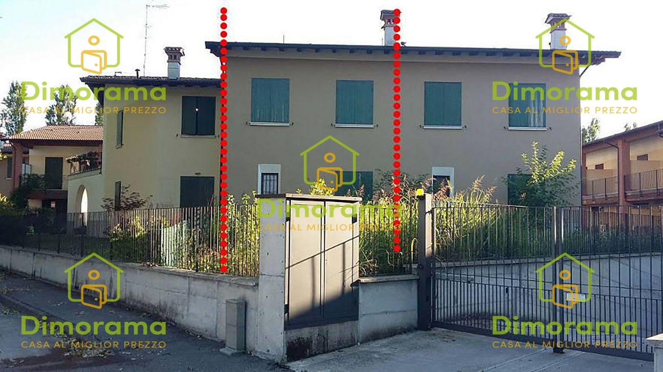 Villetta a schiera in buone condizioni in vendita Rif. 11665197