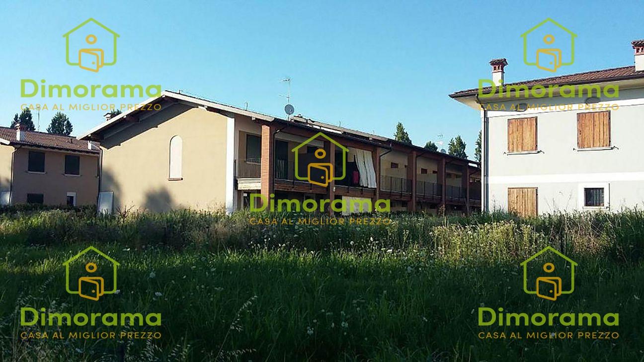 Villetta a schiera in buone condizioni in vendita Rif. 11665198