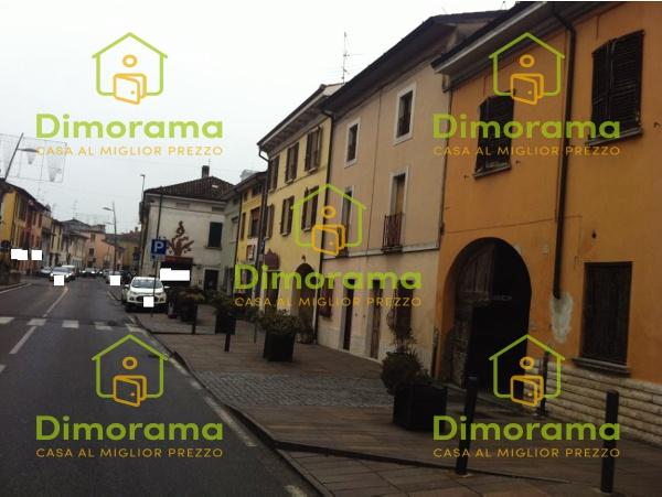 Casa Indipendente in discrete condizioni in vendita Rif. 11381437