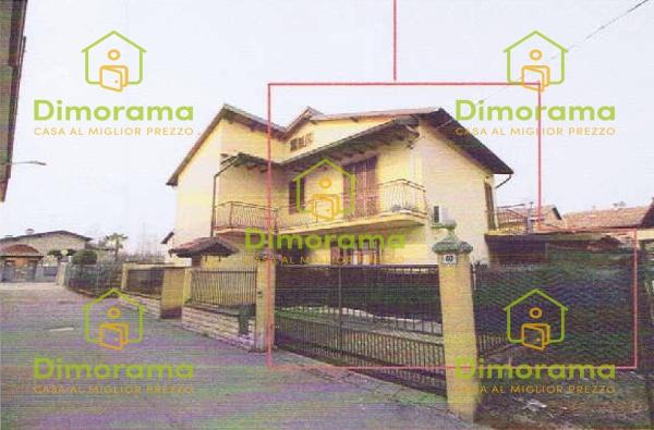 Appartamento in buone condizioni in vendita Rif. 12010414