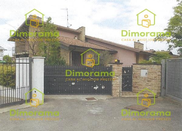 Appartamento in buone condizioni in vendita Rif. 11381424