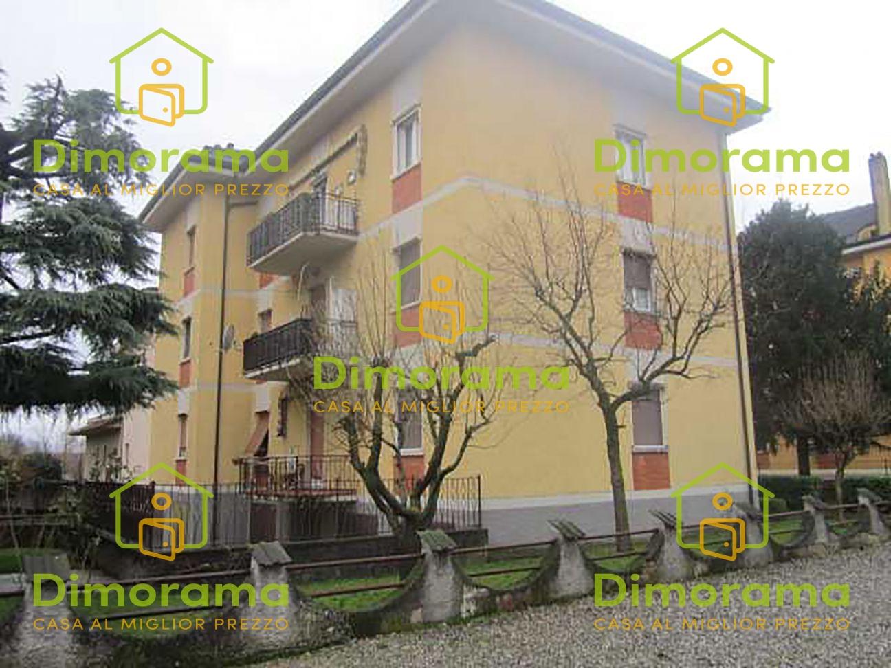 Appartamento in buone condizioni in vendita Rif. 11381422