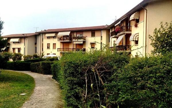 Appartamento in discrete condizioni in vendita Rif. 10507389