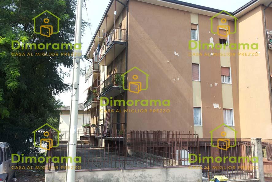 Appartamento in discrete condizioni in vendita Rif. 12010420