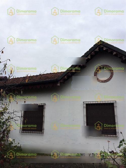 Villa in discrete condizioni in vendita Rif. 11805003