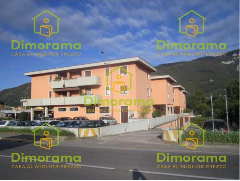 Appartamento in buone condizioni in vendita Rif. 11575788