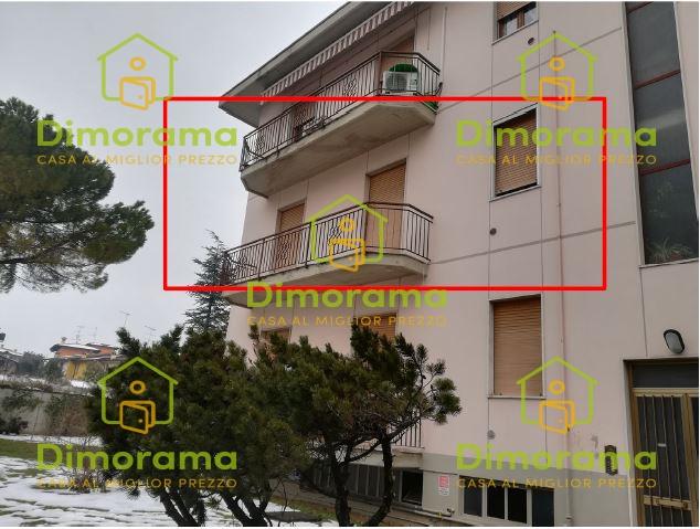 Appartamento in buone condizioni in vendita Rif. 11672975