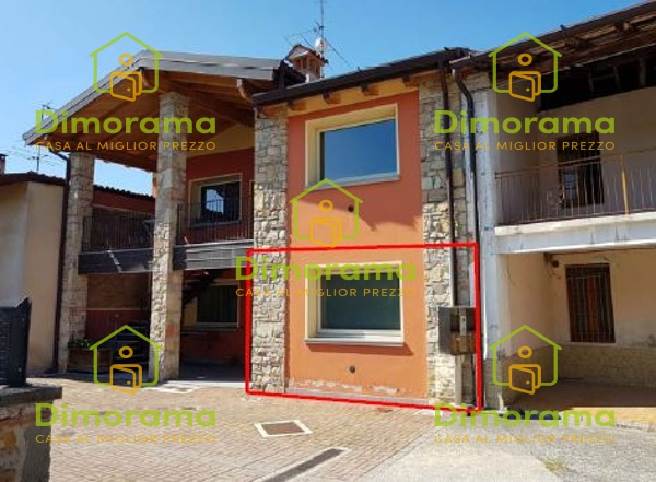 Appartamento in buone condizioni in vendita Rif. 10498099