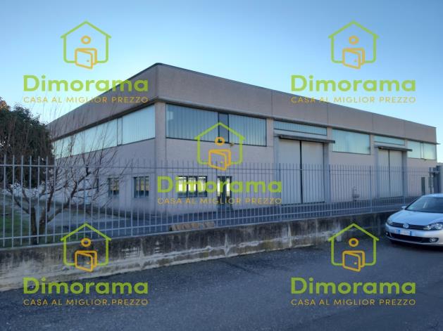 Magazzino - capannone in buone condizioni in vendita Rif. 10536629