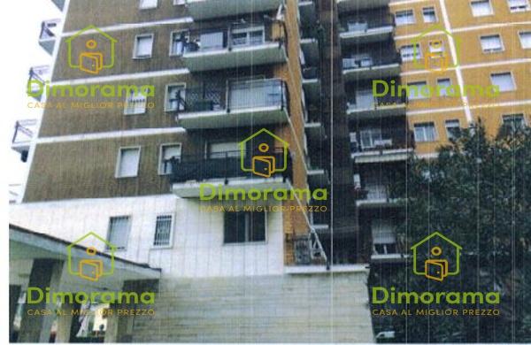 Appartamento in buone condizioni in vendita Rif. 11879924