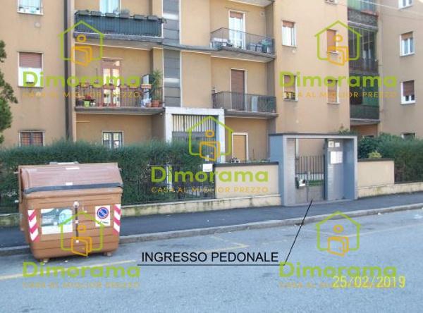 Appartamento in discrete condizioni in vendita Rif. 11746500