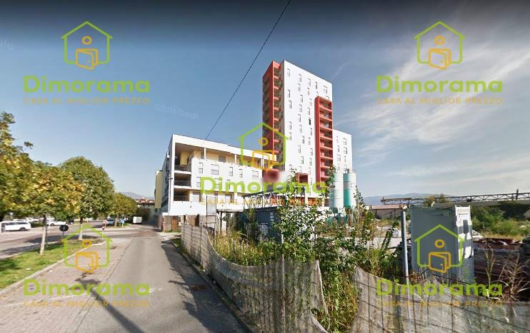 Appartamento in discrete condizioni in vendita Rif. 12119405