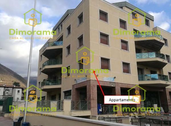 Appartamento in buone condizioni in vendita Rif. 11375273