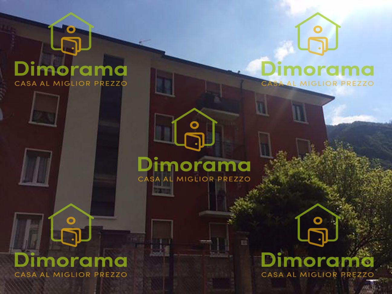 Appartamento in discrete condizioni in vendita Rif. 11381488