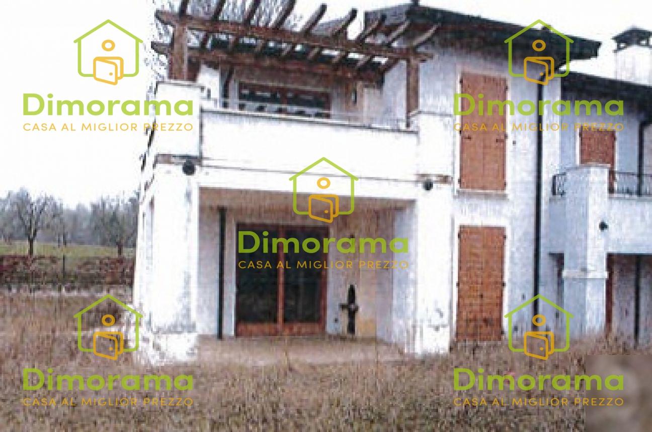 Appartamento in buone condizioni in vendita Rif. 11381492