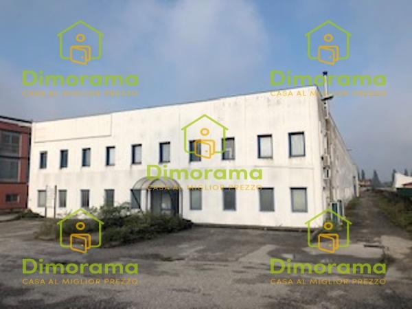Magazzino - capannone in buone condizioni in vendita Rif. 11409190