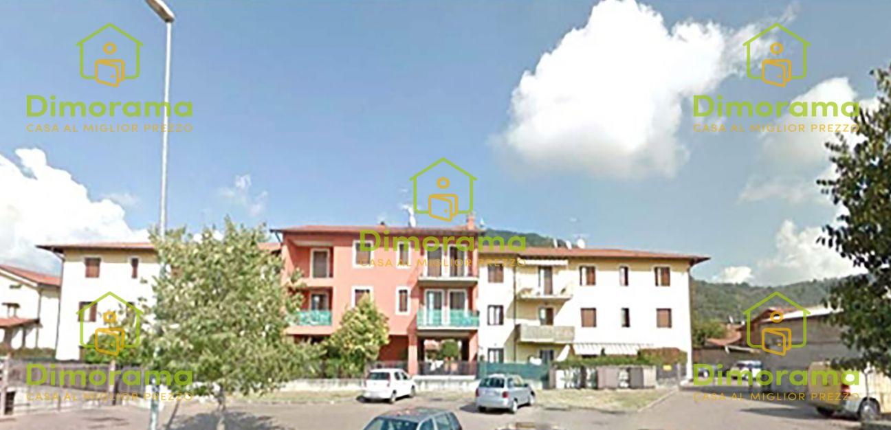 Appartamento in buone condizioni in vendita Rif. 11409192