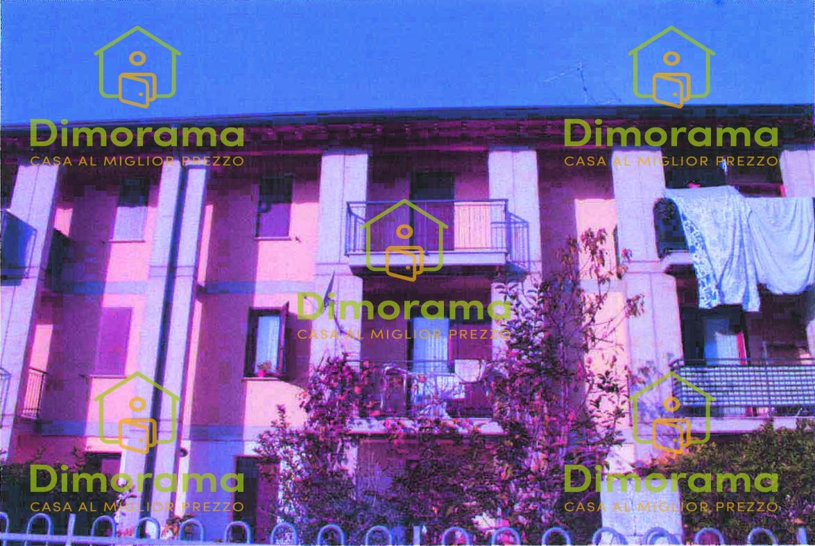 Appartamento in buone condizioni in vendita Rif. 11575767
