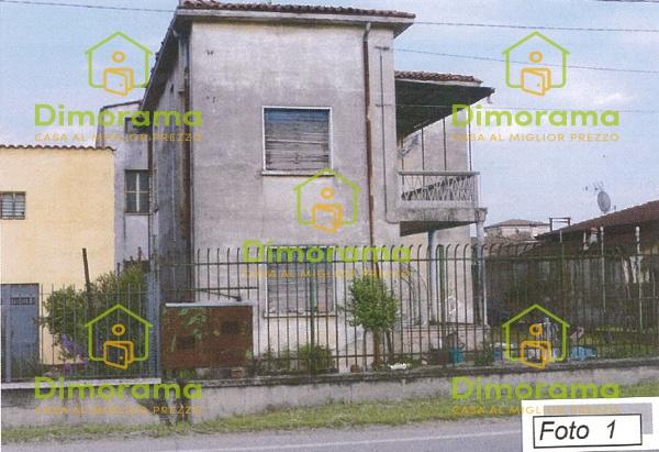 Casa Indipendente in discrete condizioni in vendita Rif. 11593434