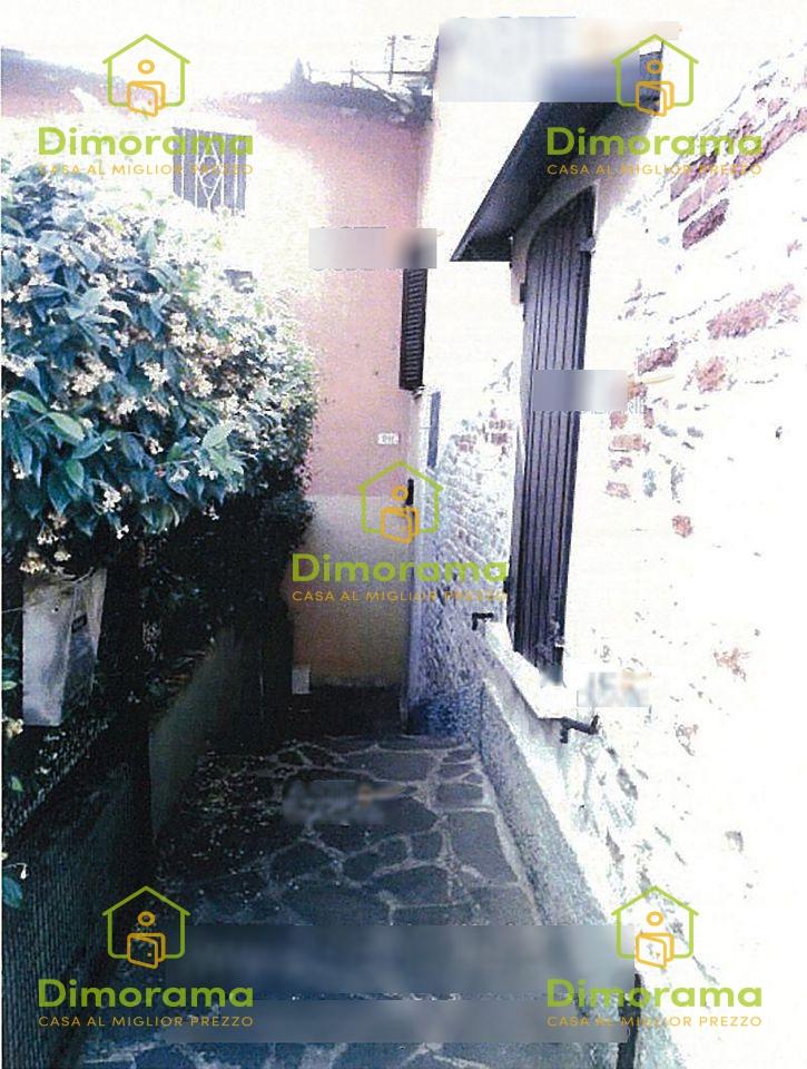 Monolocale in discrete condizioni in vendita Rif. 11665214