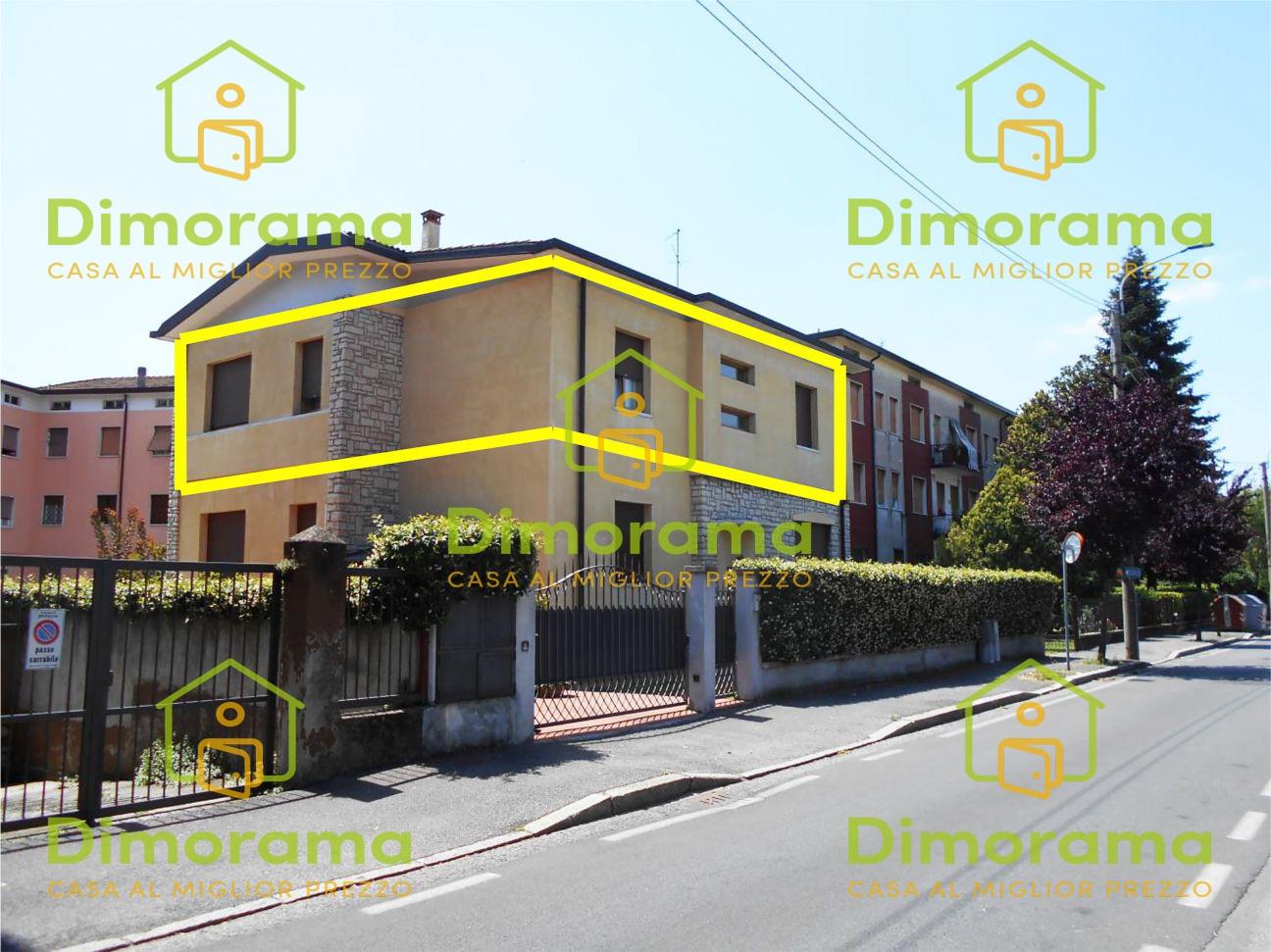 Appartamento in buone condizioni in vendita Rif. 11680435