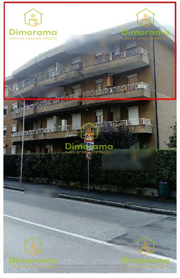 Appartamento in buone condizioni in vendita Rif. 11690469