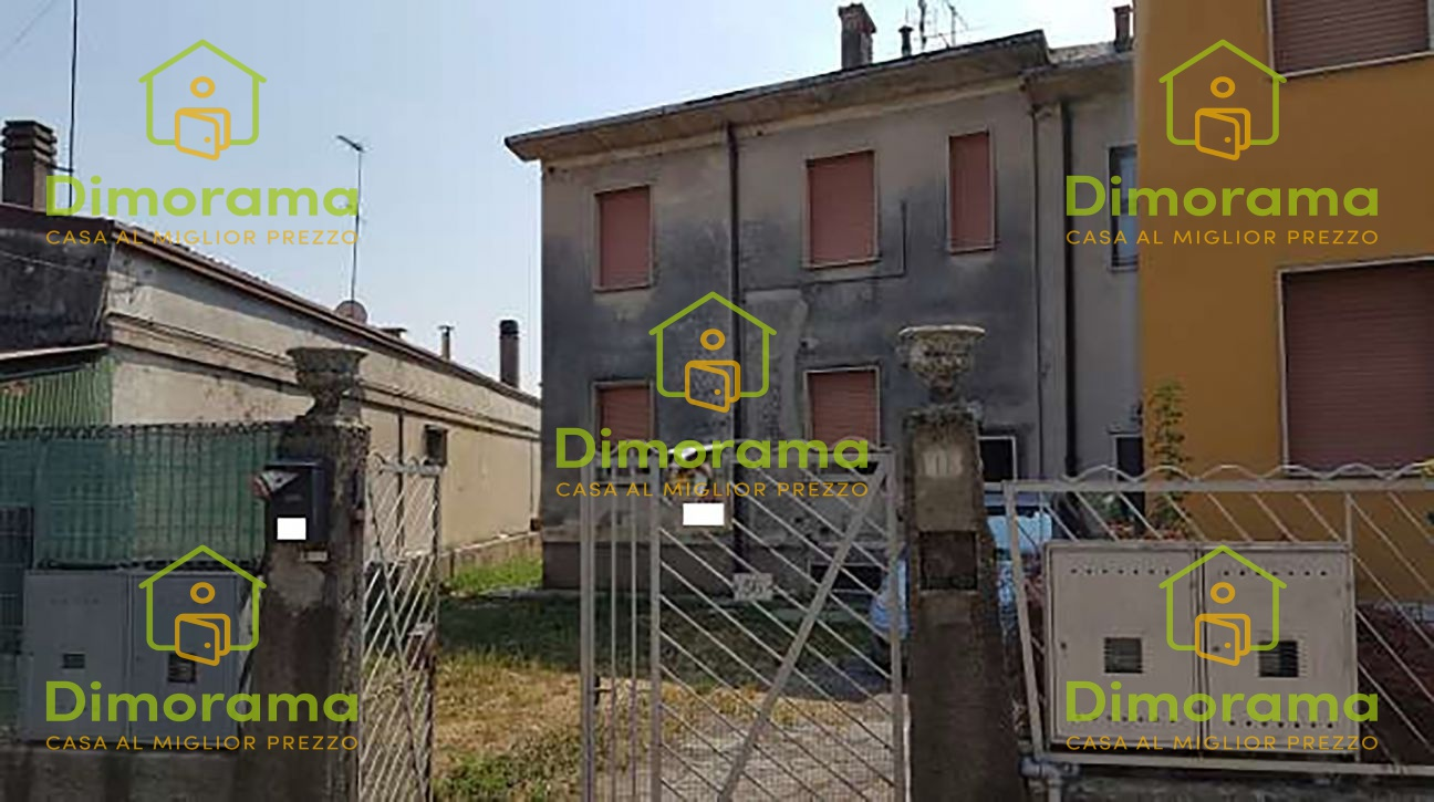 Appartamento in discrete condizioni in vendita Rif. 11879907