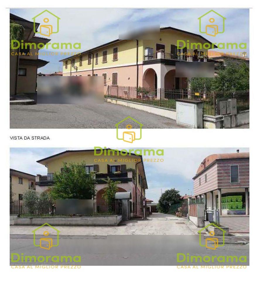 Appartamento in buone condizioni in vendita Rif. 12010391