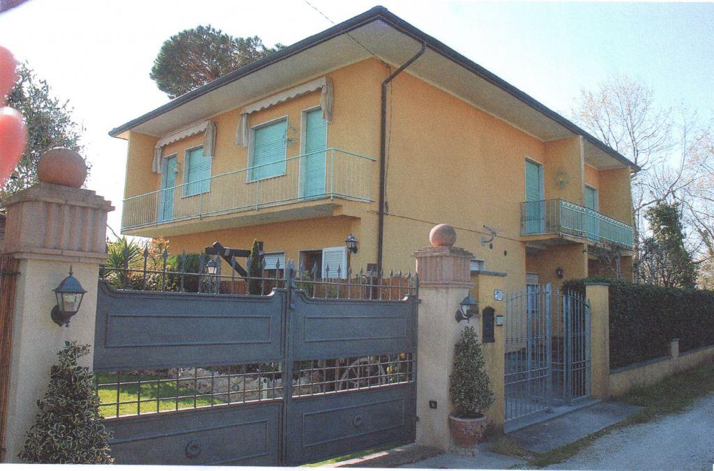Villa bifamiliare FORTE DEI MARMI CV 54