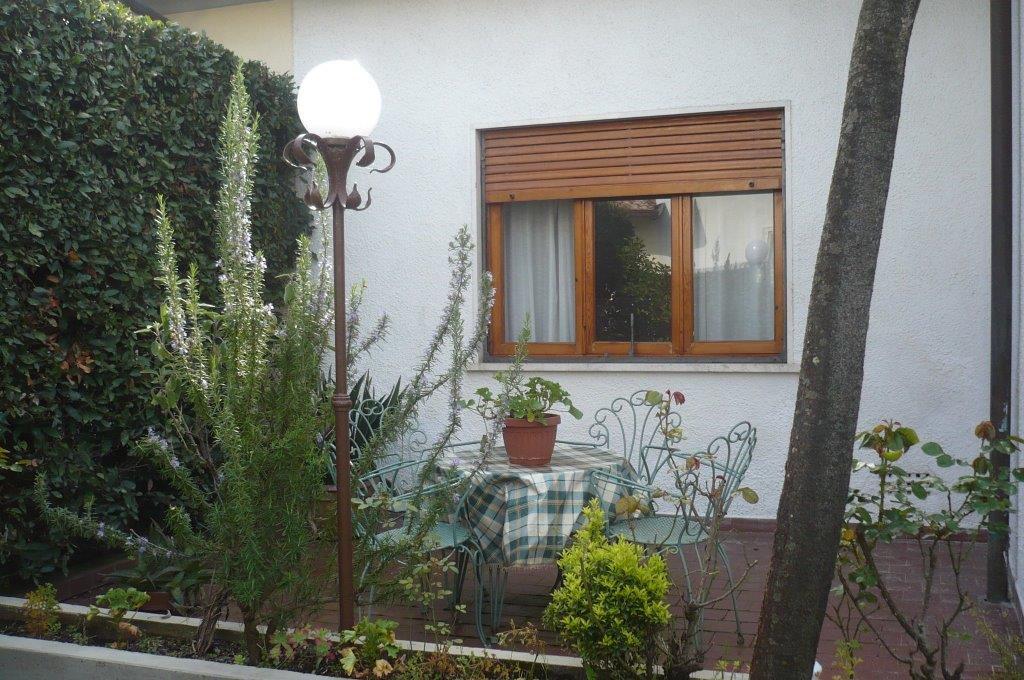 Villa bifamiliare FORTE DEI MARMI CV64