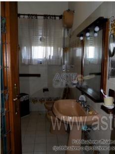 vendita appartamento anzio  VIA CAPRI 3 81000 euro  3 locali  86 mq
