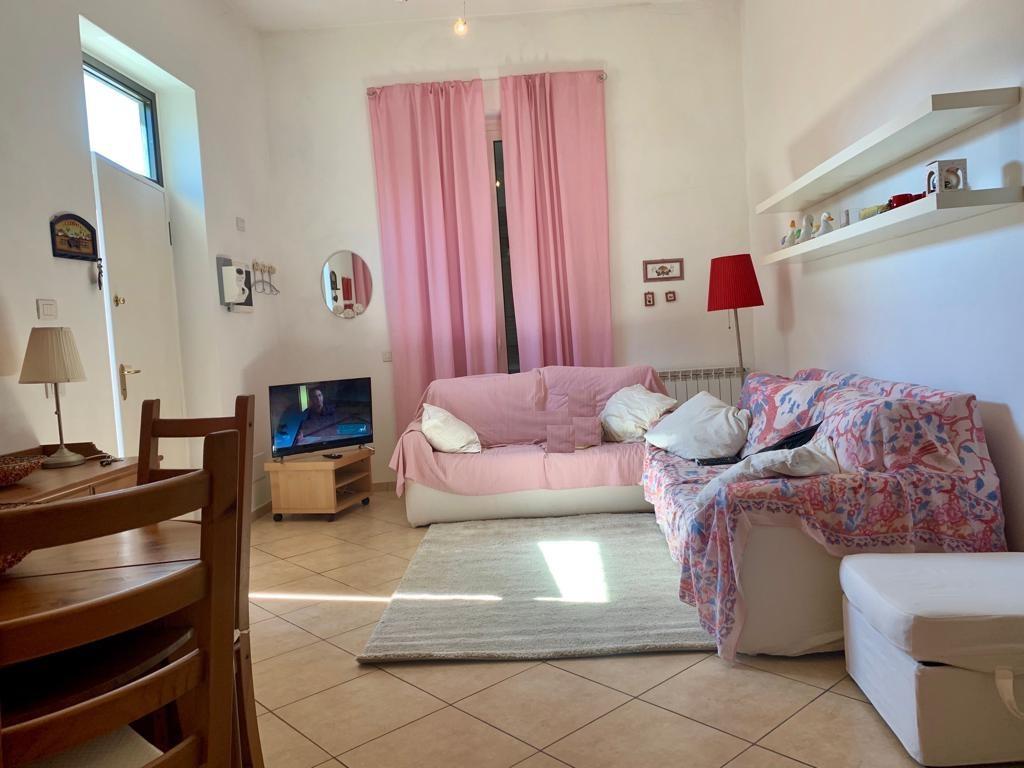 Appartamento in buone condizioni in vendita Rif. 10367409