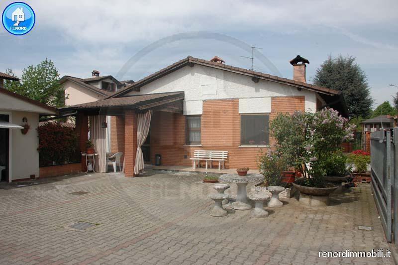 Villa in vendita a Magherno, 4 locali, prezzo € 160.000 | CambioCasa.it