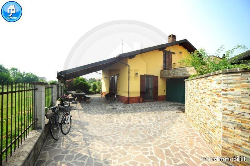 Villa in vendita a Magherno, 6 locali, prezzo € 210.000 | CambioCasa.it