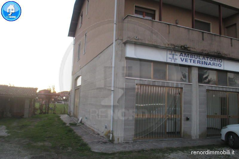 Magazzino in affitto a Villanterio, 3 locali, prezzo € 600 | CambioCasa.it