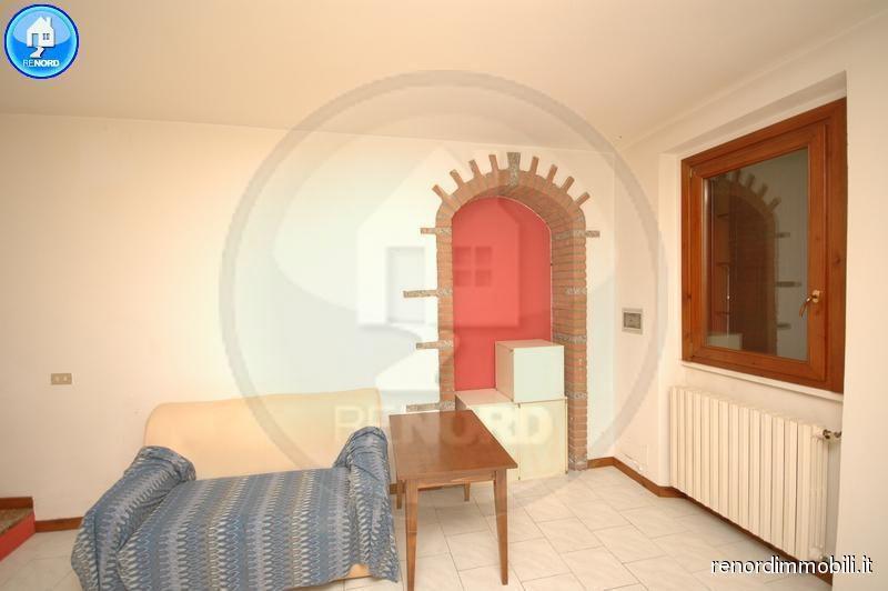 Bilocale Gerenzago Via Corbellini 3