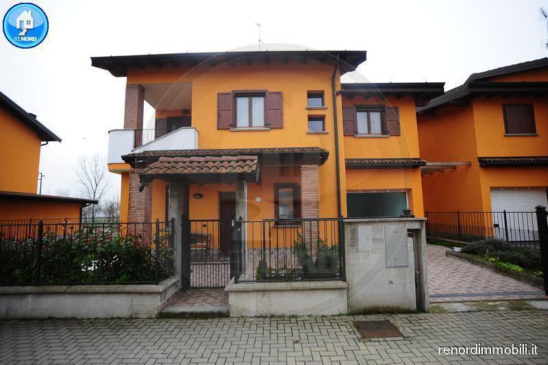 Villa in vendita a Magherno, 4 locali, prezzo € 180.000 | CambioCasa.it