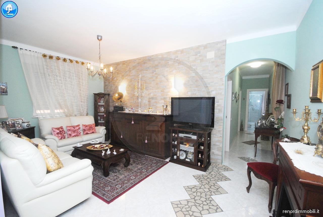 Appartamento in vendita a Vistarino, 3 locali, prezzo € 75.000   CambioCasa.it
