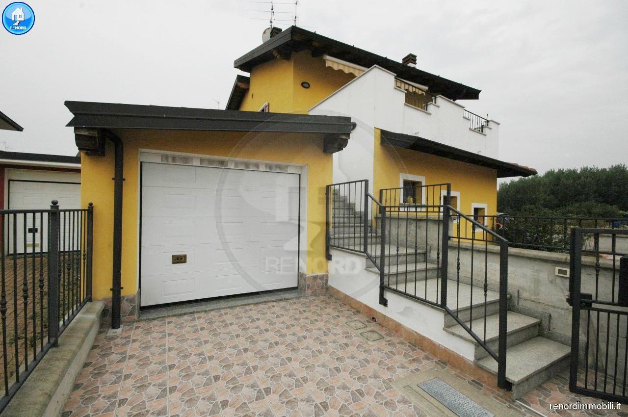 RIF. VIL3185 - MAGHERNO - Appartamento indipendente di 3 locali e servizi. Box, terrazzo e cortile privato.