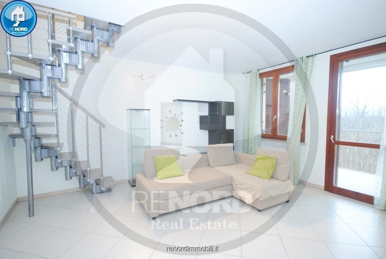 Appartamento in ottime condizioni in vendita Rif. 9050205