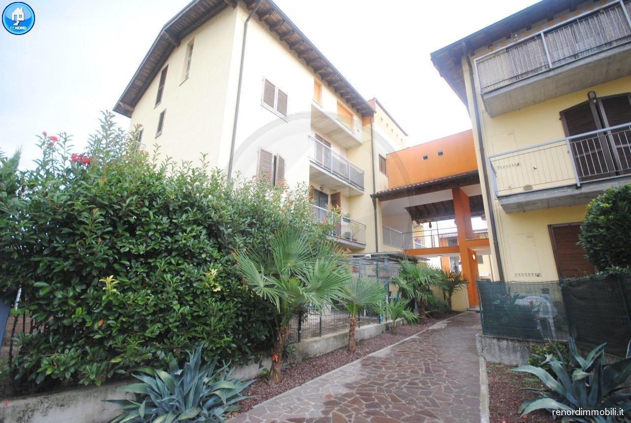 Appartamento in ottime condizioni in vendita Rif. 9050243