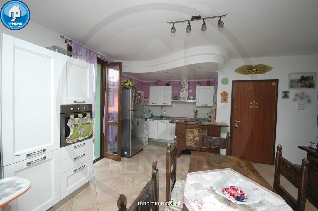 RIF. VIL3234 - MAGHERNO - Appartamento di tre locali e servizi. Balconi e box.