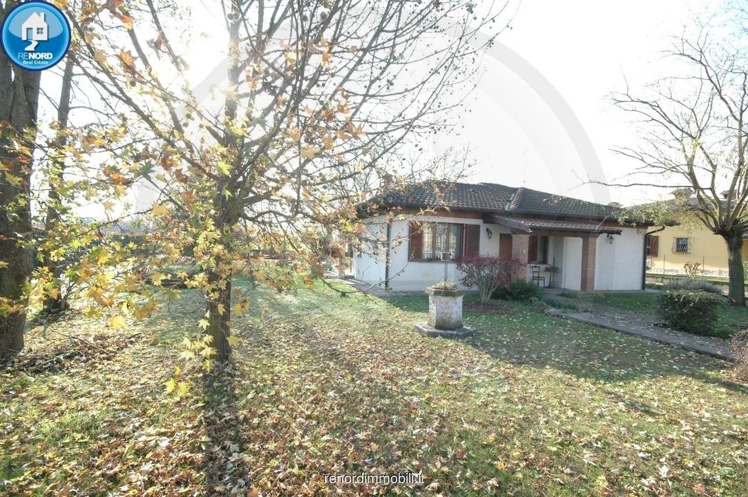 Villa in vendita a Vistarino, 3 locali, prezzo € 240.000   CambioCasa.it