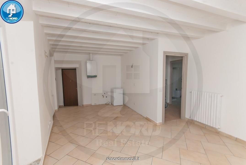 Appartamento ristrutturato in vendita Rif. 9050207