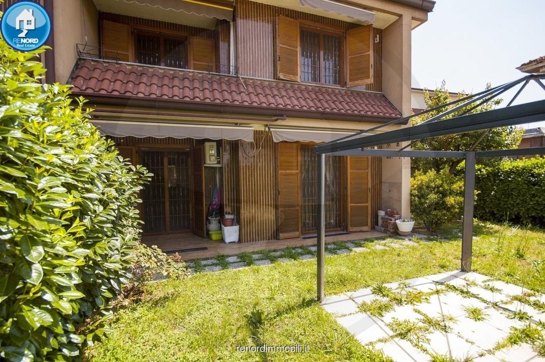 Villetta a schiera in buone condizioni in vendita Rif. 9204860