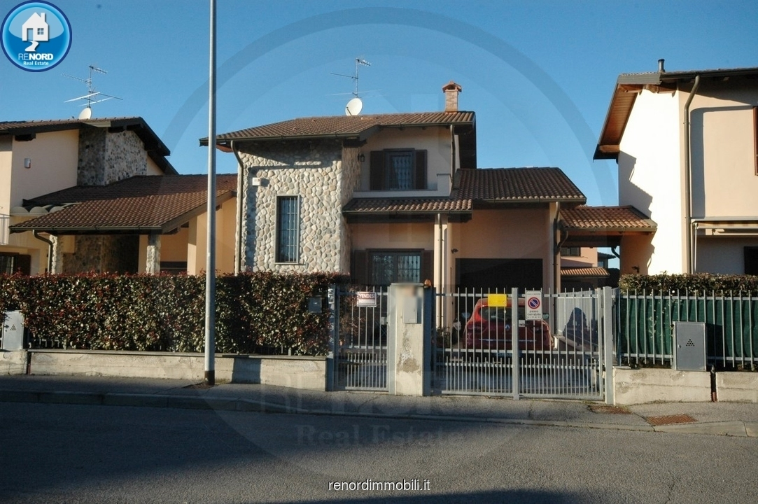 Villa a Schiera in vendita a Magherno, 5 locali, prezzo € 190.000 | CambioCasa.it