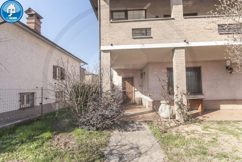 Appartamento in buone condizioni in vendita Rif. 9819904